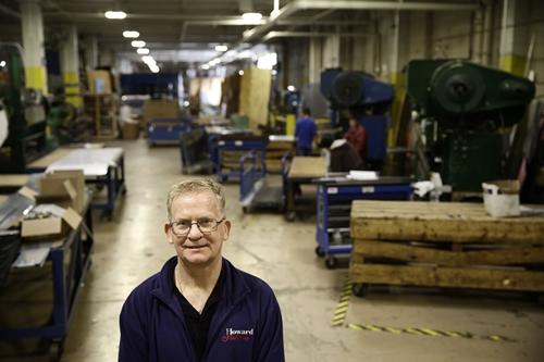 Nhà máy Mỹ chật vật thay đổi vì đòn thuế của ông Trump