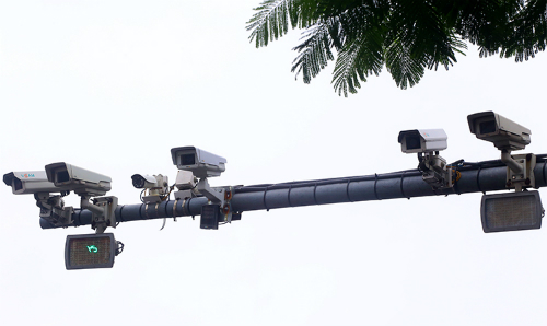 Camera giao thông tại ngã ba Xã Đàn - Phạm Ngọc Thạch (quận Đống Đa, Hà Nội). Ảnh: Phương Sơn