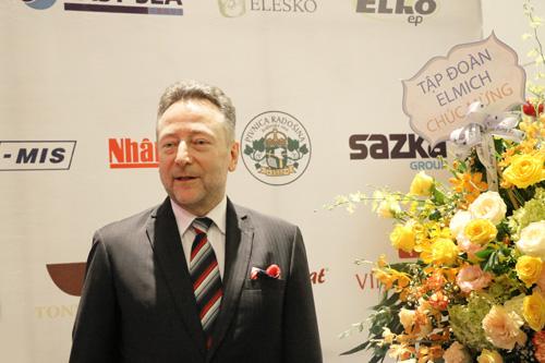 Ngài Đại sứ Vítězslav Grepl đánh giá cao vai trò tập đoàn Elmich trong vai trò cầu nối kinh tế văn hóa hai nước.
