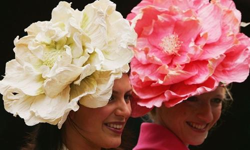 Người tham gia một sự kiện đua ngựa tại Anh. Ảnh: AFP
