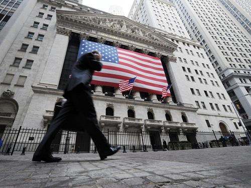 Bên ngoài Sở giao dịch chứng khoán New York. Ảnh:Henny Ray Abrams/AP