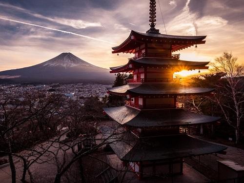 Chùa Chureito, bên ngoài thành phố Tokyo, Nhật Bản. Ảnh:Flickr/Giuseppe Milo