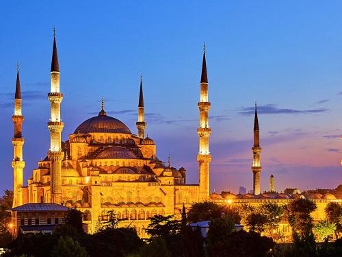 Nhà thờ hồi giáo Sultan Ahmed tại Istanbul. Ảnh: Flickr/Pedro Szekely