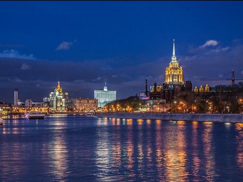 Thành phố Moscow về đêm. Ảnh: Alexey Malchenko/Shutterstock