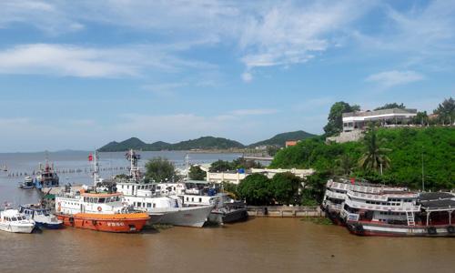 Giá đất tại TP Hà Tiên tăng cao trong 10 tháng qua. Ảnh: Thiên Ngân