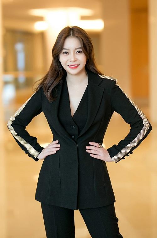 Theo Hoa hậu, doanh nhân Hải Dương, HD Group luôn trích 10% lợi nhuận nhằm chia sẻ với xã hội. HD Media Entertainment cũng là cầu nối mang các hoạt động thiện nguyện, giải trí của các ngôi sao Hàn Quốc đến Việt Nam.