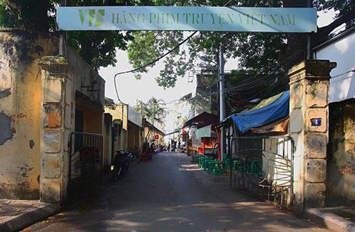 Trụ sở hãng phim truyện Việt Nam - nơi xảy ra nhiều sai phạm trong vấn đề cổ phần hóa. Ảnh: Ngọc Thành.