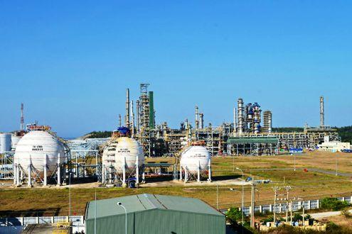 Một góc Nhà máy Lọc dầu Dung Quất, tỉnh Quảng Ngãi. Ảnh: BSR