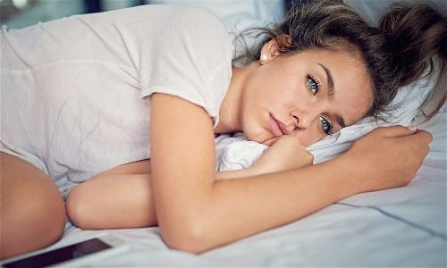 52% người Mỹ trưởng thành được hỏi thừa nhận từng khóc vì chuyện tiền bạc. Ảnh: AFP