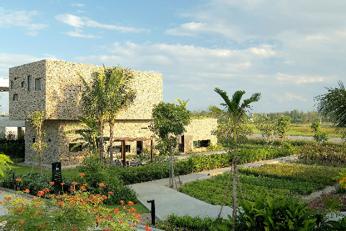 Biệt thự ven sông mang phong cách phố cổ tại Hội An