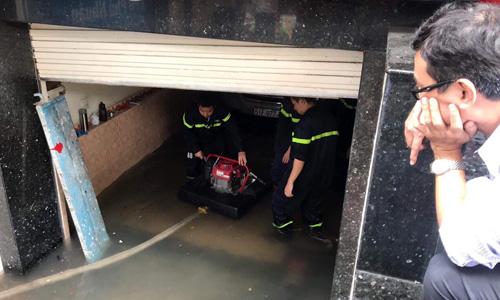 Bảo hiểm bồi thường ra sao cho xe ngập nước do bão Usagi?
