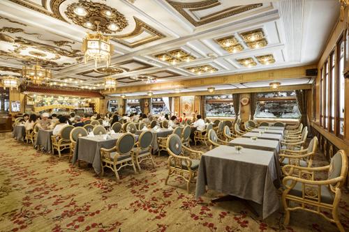 Bên trong Rex Hotel Saigon đã được tu sửa và cải thiện cho phù hợp với hiện tại.