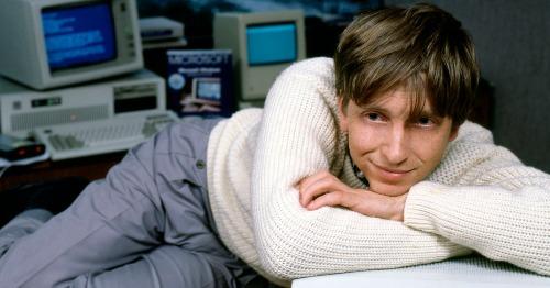 Việc Bill Gates làm để ăn mừng khi lần đầu có hàng trăm triệu USD