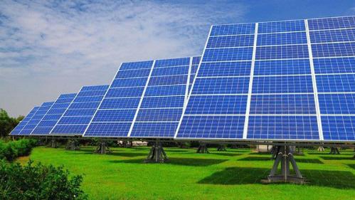 Đến hết tháng 9 có 332 dự án điện mặt trời đã và đang chờ phê duyệt, bổ sung vào quy hoạch điện.
