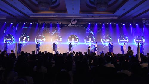 Hàng nghìn người tham gia sự kiện đào tạo bán hàng của Sunshine Group