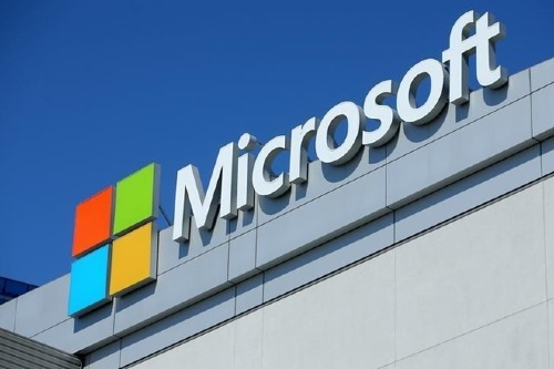 Logo Microsoft tại Microsoft Theatre tại California (Mỹ). Ảnh: Reuters