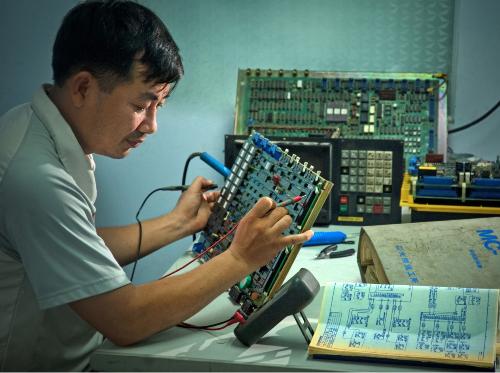 CEO công ty Cơ Điện Tử Hiệp Phát 15 năm đam mê nghề Cơ Điện Tử.(xin edit_chihtk2)