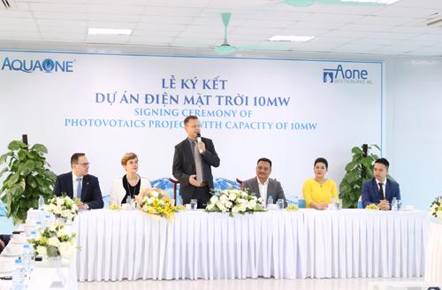 Bà Đỗ Thị Kim Liên, Chủ tịch HĐQT Công ty Cổ phần nước mặt Sông Đuống