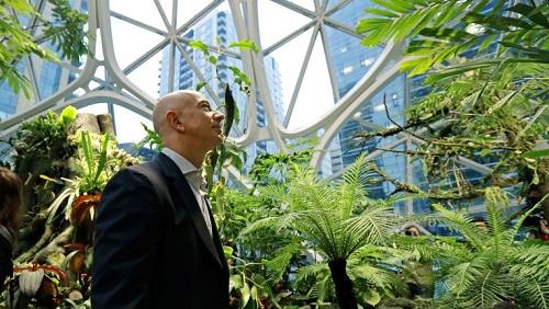 Tòa nhà văn phòng hình cầu có vốn đầu tư 4 tỷ USD, mang nét đặc trưng của rừng mưa nhiệt đới. Ông chủ Amazon - Jeff Bezos cho xây dựng công trình này với chức năng thư giãn, tạo không gian hội họp, gặp gỡ và quảng bá sự sáng tạo của Amazon.