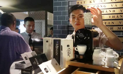 Trung Nguyên lấn sân làm máy pha cà phê