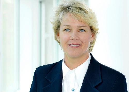Lisa Davis - hạng 37: bà trở thành Chủ tịch và CEO của tập đoàn Siemens từ tháng 1/2017.