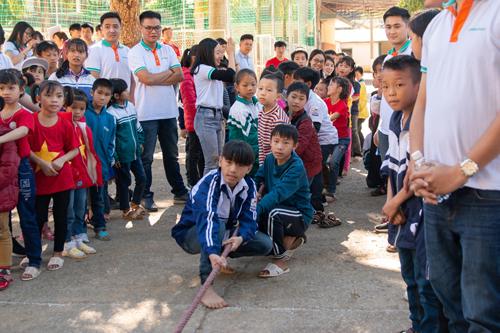 ABBank kỷ niệm 10 năm hành trình mang Tết đến với người nghèo