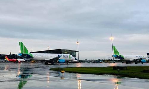 Các máy bay của Bamboo Airways đỗ tại sân bay quốc tế Nội Bài.