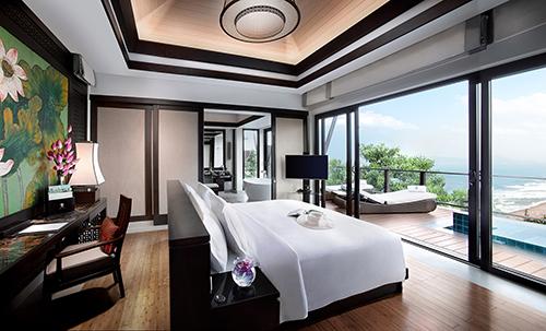 Tiện nghi, hiện đại nhưng giàu bản sắc, các nhà phát triển dự án đã mang văn hoá Việt và cung đình Huế vào mỗi biệt thự Banyan Tree Residences.