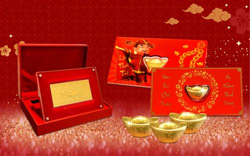 Các sản phẩm vàng giàu giá trị thực với bao bì mang sắc đỏ tượng trưng cho may mắn thịnh vượng như Lì xì vàng Tài Lộc hoàn toàn bằng vàng 24K, quà tặng vàng Mã đáo Thành Công, lá bùa Bình an&rất được ưa chuộng trong dịp cận Tết 2019