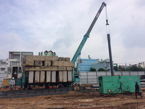 Công ty Xây dựng Lâm Hùng được đầu tư nhiều máy móc hiện đại và đội ngũ nhân công giàu kinh nghiệm sẽ đảm bảo thi công nhanh, chất lượng; không ảnh hưởng đến các công trình liền kề với chi phí cạnh tranh.