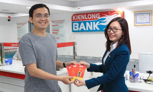 Kienlongbank lì xì khách hàng gửi tiết kiệm