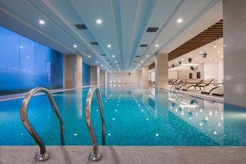 Bể bơi 4 mùa Aqua Park.