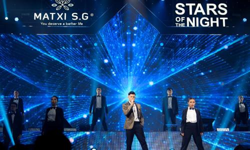 Dàn sao nổi tiếng xuất hiện trong đêm nhạc của Mat xi S.G