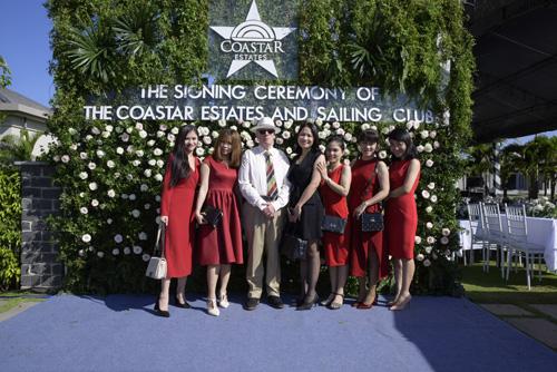 The Coaster Estate được quản lý theo tiêu chuẩn quốc tế.