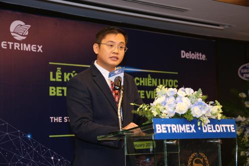 Ông Bùi Văn Trịnh - Phó Tổng giám đốc Deloitte Việt Nam phát biểu tại lễ ký kết.