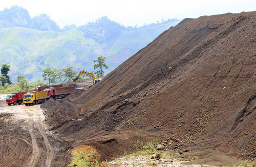 Khai thác quặng tại mỏ sắt Quý Xa. Ảnh: Báo Lào Cai