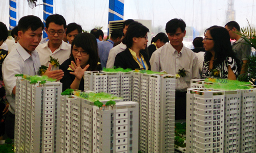 Nghề môi giới bất động sản được dự báo sẽ đối mặt nhiều thách thức năm Kỷ Hợi. Ảnh: Vũ Lê