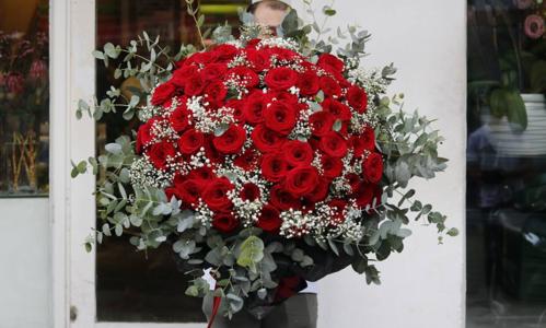 Những món quà Valentine giá vài chục triệu đồng
