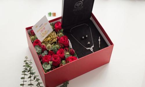 Những món quà Valentine giá vài chục triệu đồng - 2