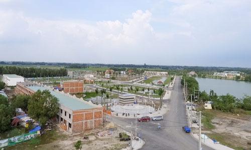 Một dự án thuộc địa phận tỉnh Long An, giáp ranh TP HCM. Ảnh: Vũ Lê