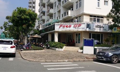 Các căn shop khối đế chung cư thuộc khu Nam TP HCM. Ảnh: H.T