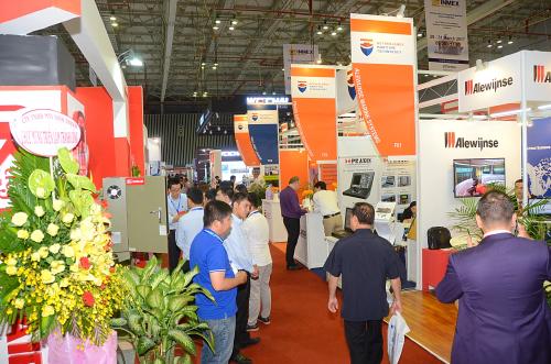 Nhiều doanh nghiệp lớn tham gia triển lãm.