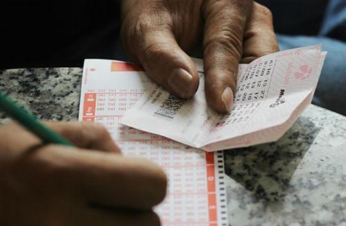 Khách ở Long An mua 5 bộ số trong đó có một vé trúng Jackpot 2.