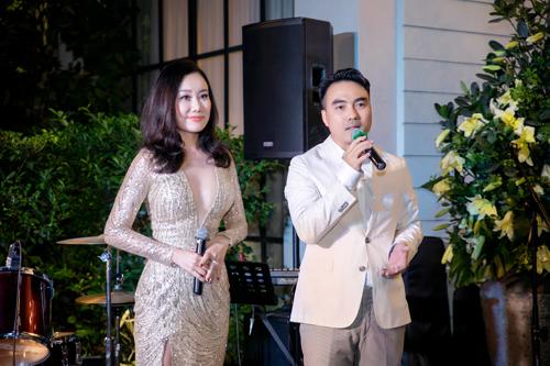 Ông Phạm Cao Đông- Tổng giám đốc CDC Home Design Center và bà Nguyệt Ánh- giám đốc thương hiệu