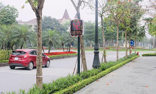 Ciputra Hanoi lắp radar tín hiệu tốc độ trong nội khu