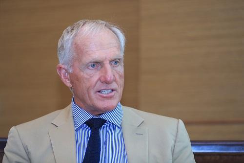 Ông Greg Norman - doanh nhân, huyền thoại golf thế giới kiêm Đại sứ Du lịch Việt Nam chia sẻ tâm huyết với cà phê và văn hóa cà phê Việt. Ảnh:Hữu Khoa.