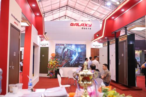 Galaxy Door giới thiệu nhiều mẫu cửa công nghệ Nhật tại triển lãm Vietbuild