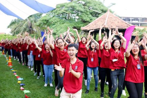 Sinh viên khoa Du lịch và Việt Nam học tại buổi lễ nhập môn.