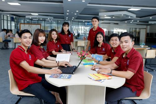 Thư viện hiện đại, rộng rãi của trường Nguyễn Tất Thành.