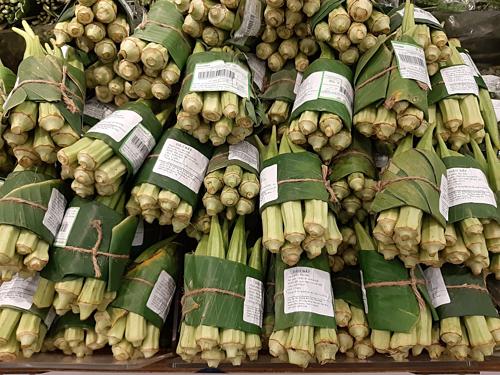 Đậu bắp tại siêu thị quận 7. Ảnh: Nghệ Nguyễn.